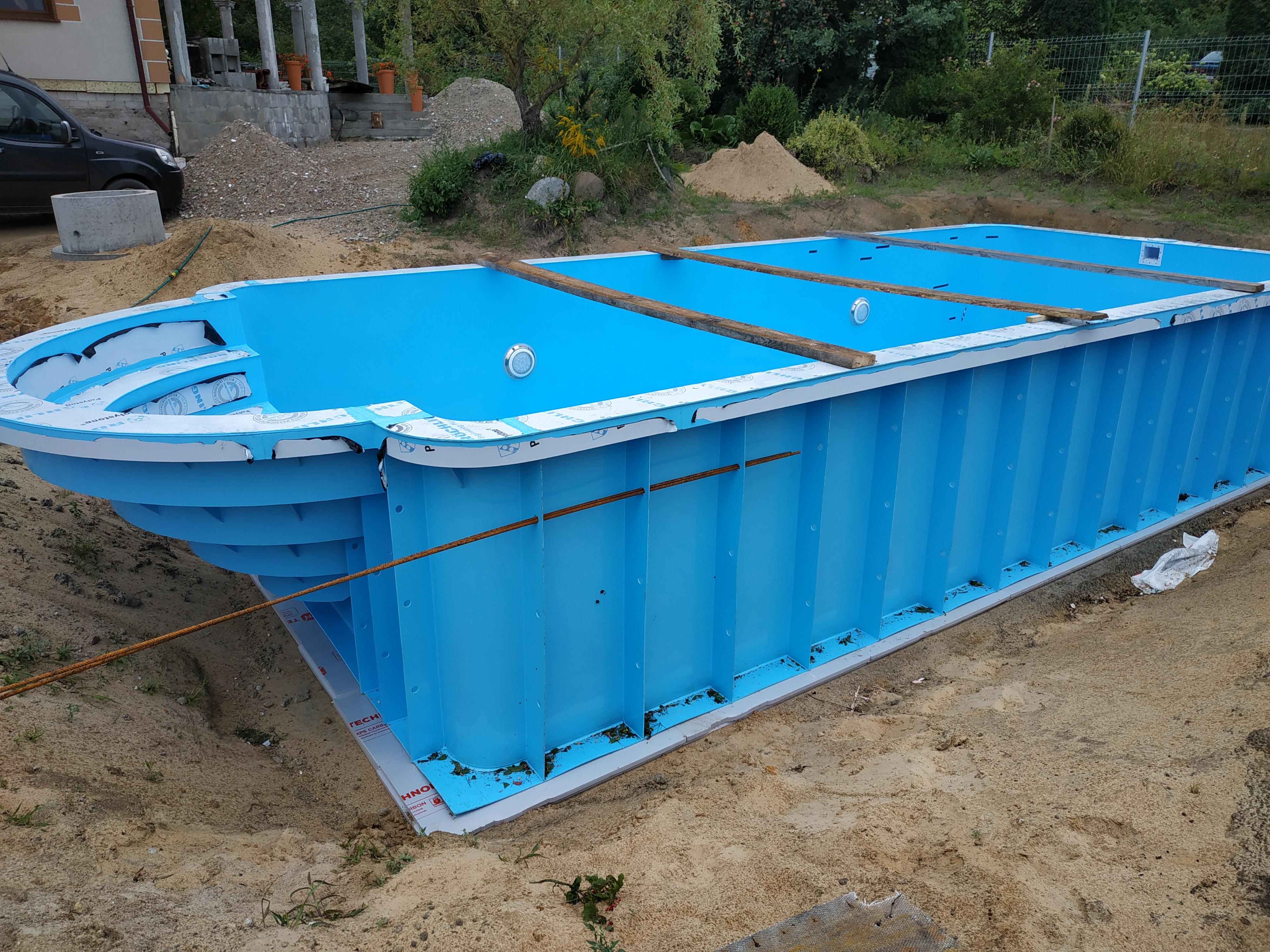 plastikinių lauko baseinų gamyba